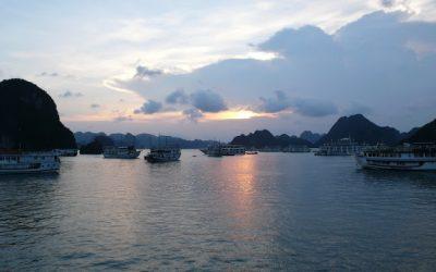 Hạ Long – Sung Sot Cave – Đảo Ti Tốp – Luon Cave – Monkey Lake – Floating House – Đảo Cát Dứa