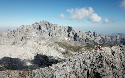 Posada de Valdeón – Torre Bermeja (2.393 m) – El Bolo (2.166 m) – La Travesona – Vega de Llos – Soto de Valdeón