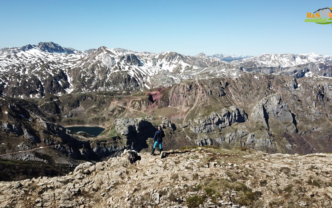 Alto de la Farrapona – Los Bígaros (2.038 m) – Pico Muñón (2.037 m) – Camín Real de la Mesa – Los Corros (1.978 m)