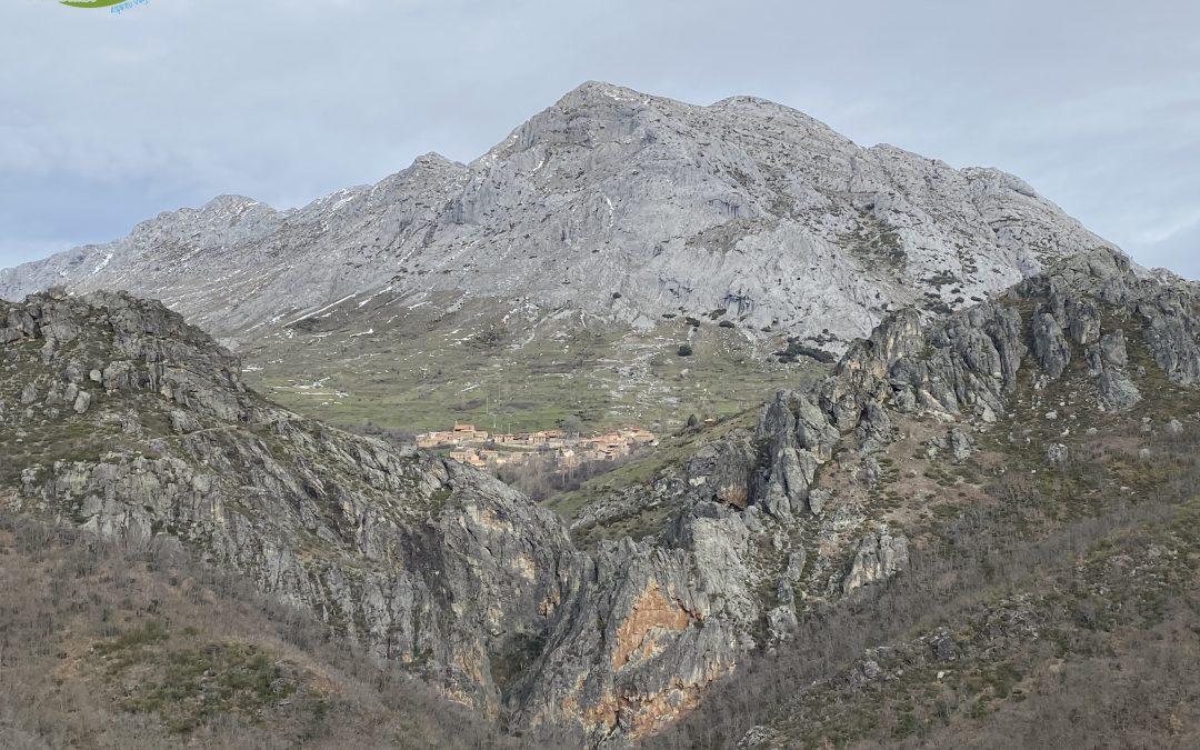 Valdorria – Trincheras – Peña Morquera (1.422 m) – Bosque de las Hadas – Pozo Burbuliegas – Ermita de San Froilán