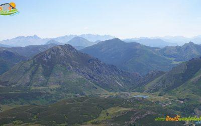 Cebolledo – Pico Toneo (2.091 m) – Pico La Loma (2.025 m) – Peña Agujas (2.141 m) – Pico Roldán (2.128 m) – Pico Cuerna (2.140 m) – Pico Redondo (2.129 m) – Sierra de Sentiles – Peña Requejines (2.026 m) – Peña Ausente (2.041 m) – Lago Ausente